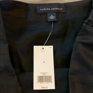 Banana Republic Skirts - Banana Republic silk skirt new with tags